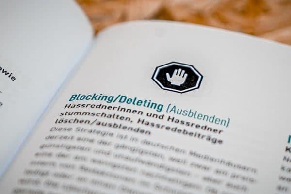 """Auszug aus einem Lexikon zeigt die Definition von """"Blocking/Deleting"""""""