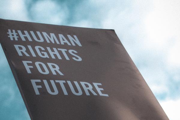 """Plakat mit der Aufschrift """"#Human rights for future"""""""